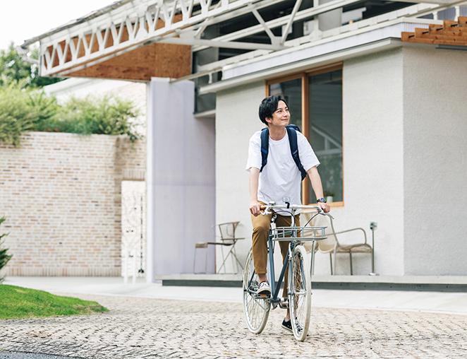 自転車・バイク・自動車は必ず駐車・駐輪場へ